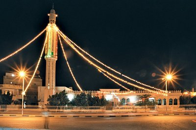 """Pohled na noční mešitu v Hurghadě - Autor: Przemyslaw \""""Blueshade\"""" Idzkiewicz"""