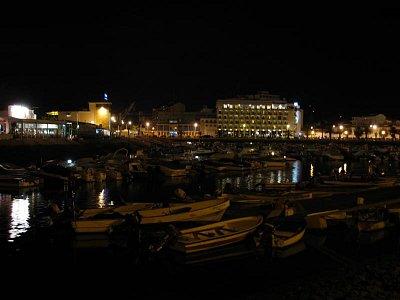 Faro v noci