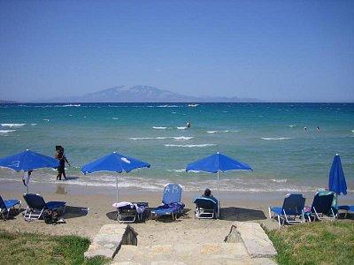 pláž v Alykés - v pozadí ostrov Kefalonie (nahrál: radulka)