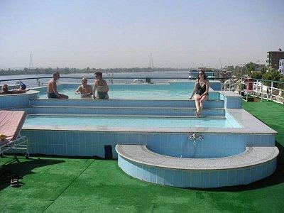 Bazén na lodi (nahrál: admin)