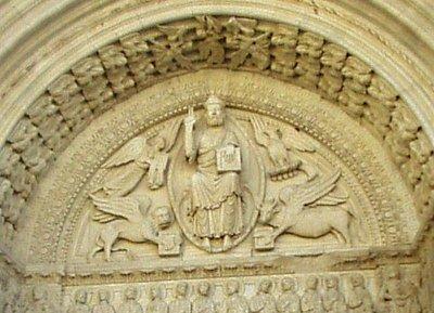 Tympanon zobrazuje Poslední Soud (nahrál: admin)