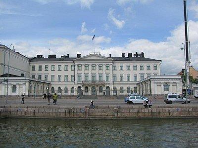 Prezidentský palác - Prezidentský palác-postaven v l.1814-1818,sídlem prezidenta od r.1918 (nahrál: Petra Lecová)