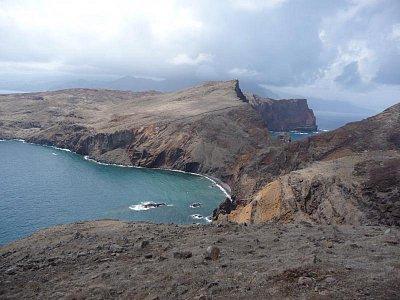 Poloostrov Ponta de Sao Lourenco - Pohled z konce poloostrova na ostrov Madeira (nahrál: jannak)