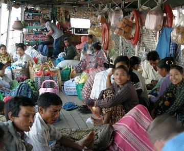 Myanmar (Barma) 2011 - cesta lodí po Ayeyarwady (Irrawadi)  do Baganu